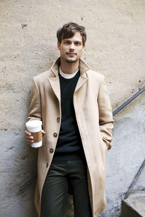 Классическое мужское пальто фото