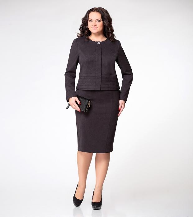 1d737e32d01 Правильный выбор делового костюма для полных женщин - фото