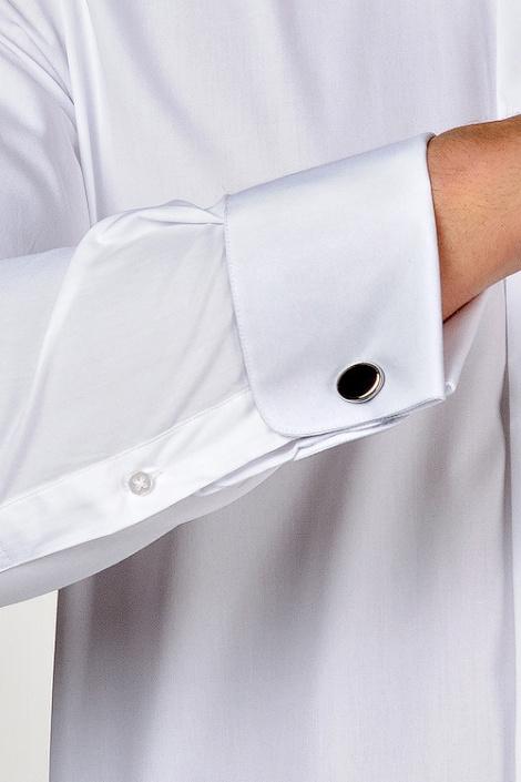 черные запонки с белой рубашкой