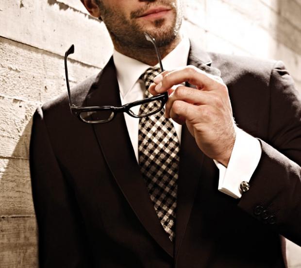 Смотреть Модные советыКак подобрать запонки к рубашке и костюму видео