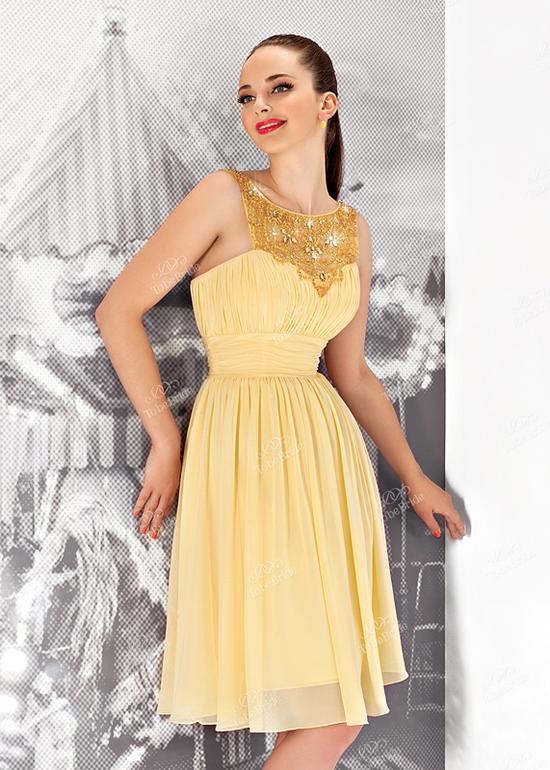 Изящное жёлтое платье