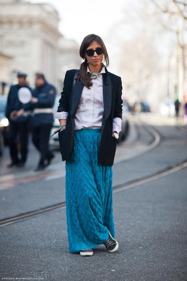 юбка в пол синяя с кедами