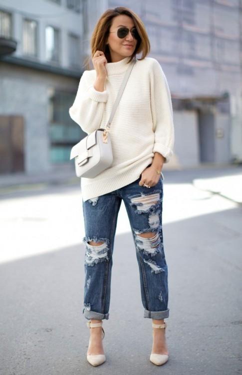 С чем носить объёмный белый свитер