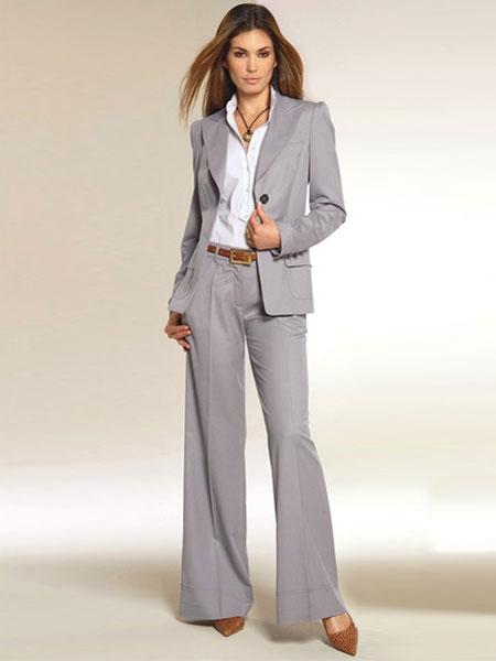 Офисные брючные костюмы женские