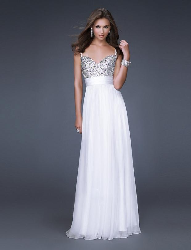 Толстушка в белом платье фото