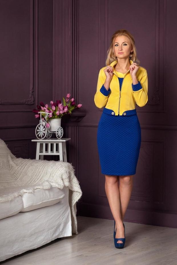 Желтые платья с синим декором
