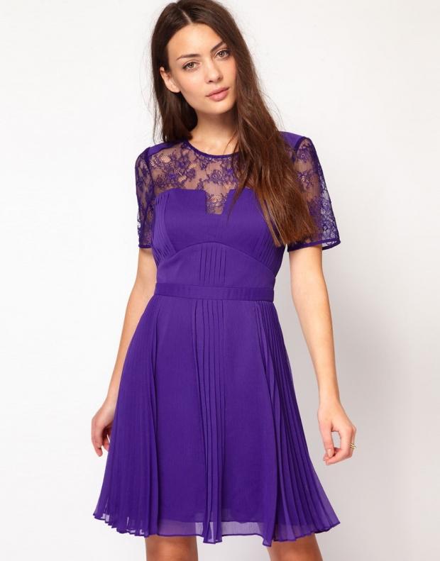 Фиолетово сиреневый цвет платья