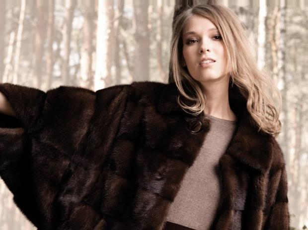 На выбор предлагаются как классические, так и авангардные модели норковых  шуб. Модные норковые шубы зима 2016-2017 – это длинный, ... acb9f00fe6a