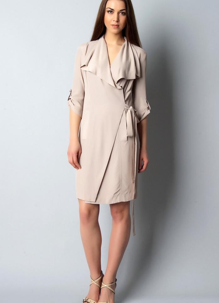 Платье отрезное с прямой юбкой