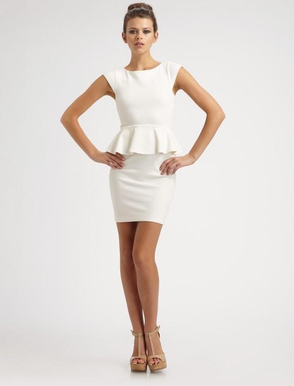 Красивое платье с баской 129