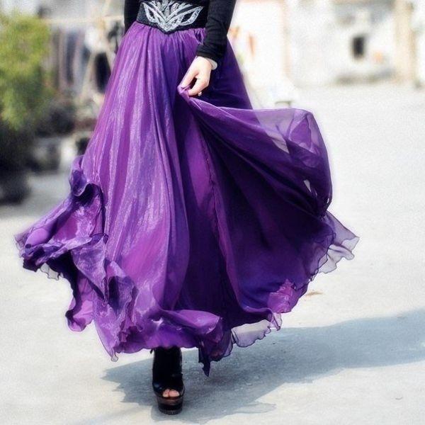 С чем носить фиолетовую юбку? Варианты образов с фиолетовой юбкой