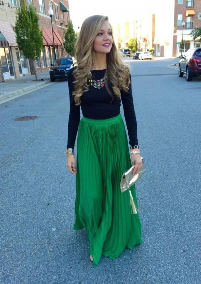 Сочетание цветов зеленая юбка