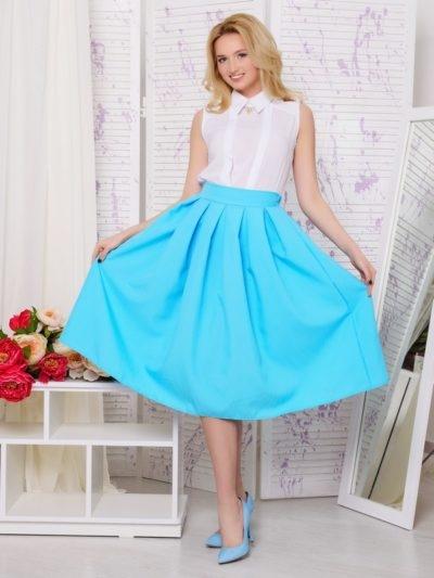3a45feb0743 Расклешённая юбка – воплощение элегантности и изысканности. Носить вещь  можно с любым верхом – блузками