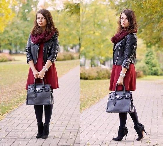 f3bf9a9ad5e ... ботильоны на шпильке и классическую кожаную сумку черного цвета. Образ  не выглядит вульгарно