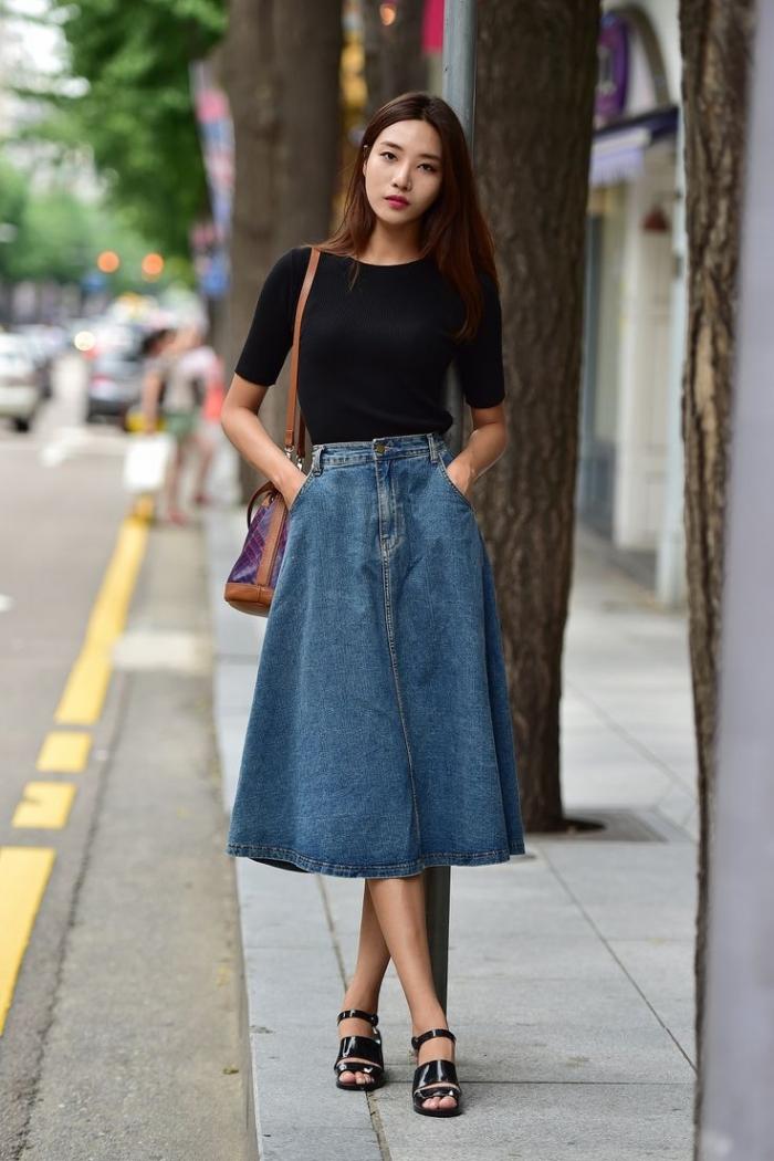 68c757a01ac Джинсовая юбка – востребованная практичная вещь. Она подойдёт для создания  делового наряда и ежедневных походов по магазинам