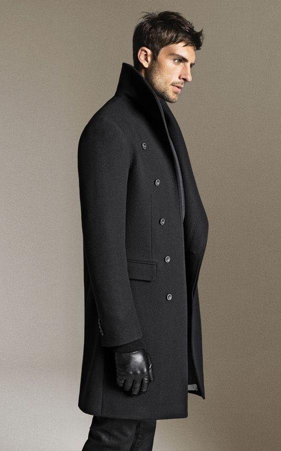 5152c8cad3b Модели пошиты без лишних дополнительных деталей и отлично сочетаются с  классической мужской одеждой. Модельеры предложили интересные демократичные  новинки ...