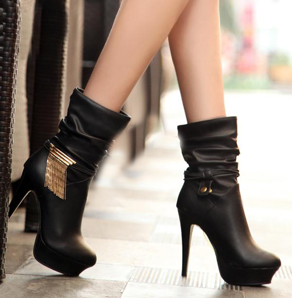 Сапоги женские осенние на каблуке