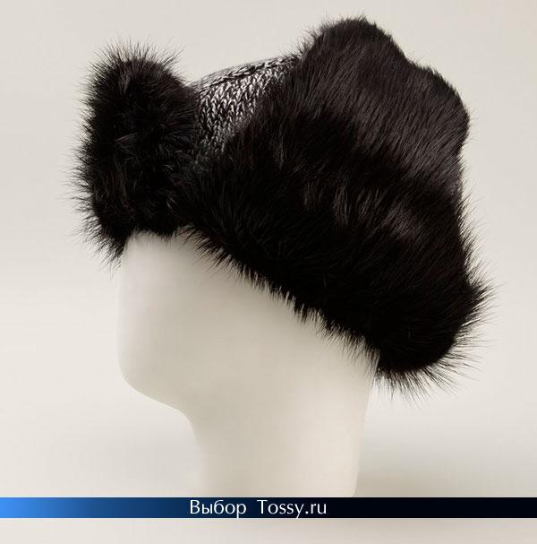Вязаная шапка-ушанка с черным мехом