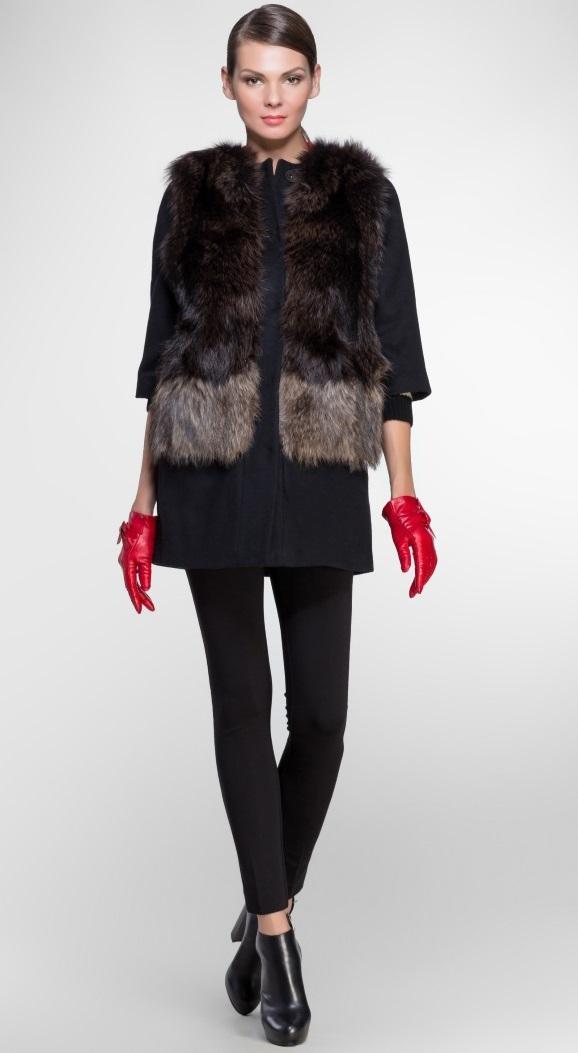 меховой  жилет на пальто